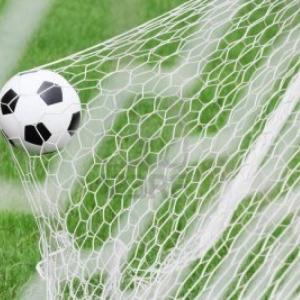 699_pallone-da-calcio-in-rete