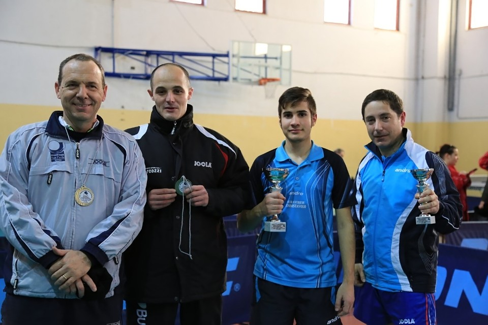 Il podio dei quarta maschili (Foto Tomaso Fenu)
