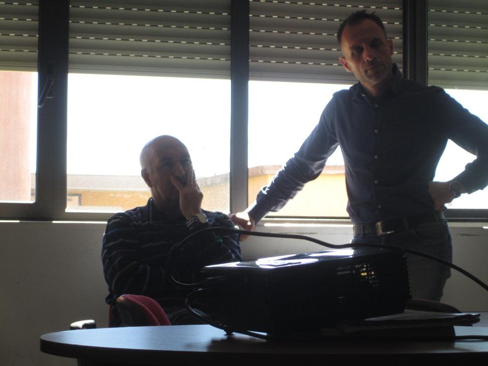 a sx l'insegnante Tonino Guiso con il presidente del Gac Fabrizio Selenu