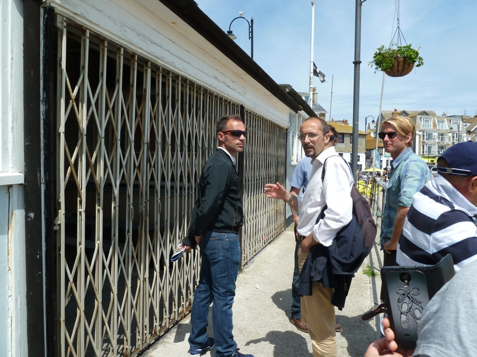 Chris Randford con Fabrizio Selenu e  Davide Cao (Foto Gianna Saba)