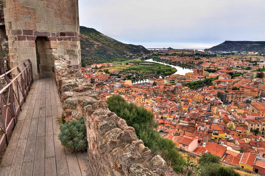 panorama_su_bosa_castello_malaspina
