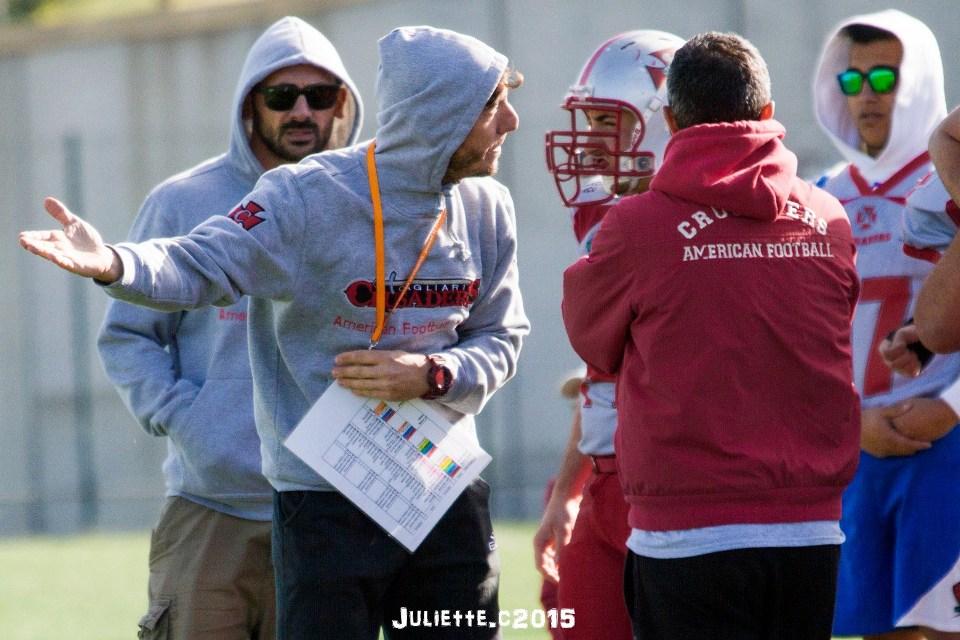 L'head coach Luca Giraldi visibilmente insoddisfatto (Foto Giulia Congia)