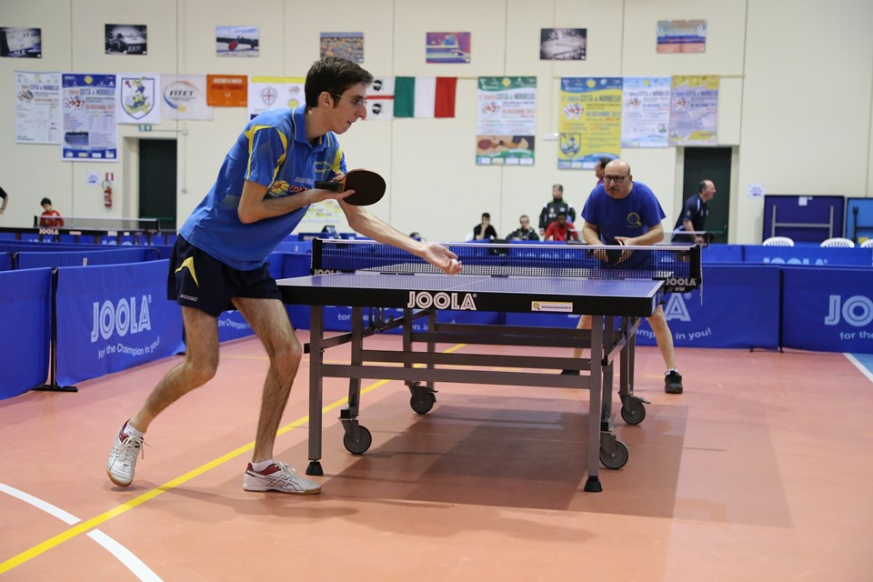 Carlo Orrù affronta Tore Scotto (Foto Tomaso Fenu)