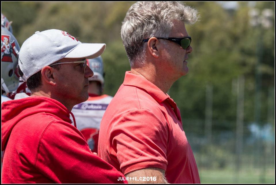Il team manager Ninni Marongiu con Tim Tobin (Foto Giulia Congia)