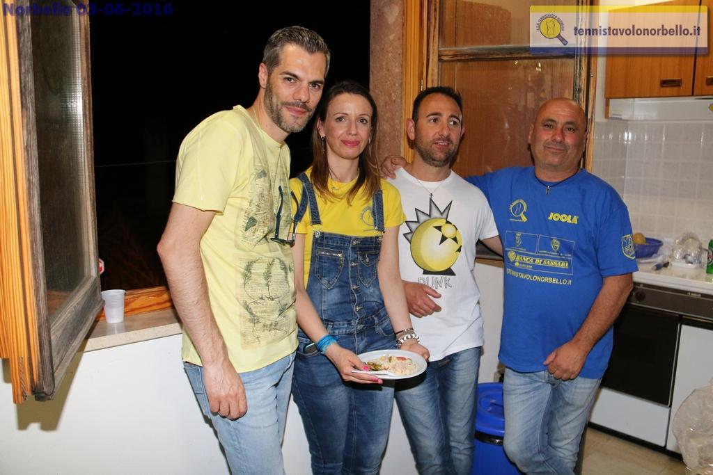 Marialucia a Norbello con alcuni dirigenti (Foto Gianluca Piu)